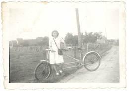 Photo Ancienne Vélo, Tandem - Personnes Anonymes