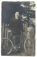 Photo Ancienne Homme Et Son Vélo - Personnes Anonymes