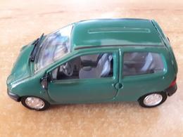Renault Twingo 1/43 + Fascicule N° 45 + Boitier Solido - Solido
