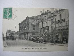 CPA Reims. Rue Vesle Et Le Théatre.Animations. - Reims