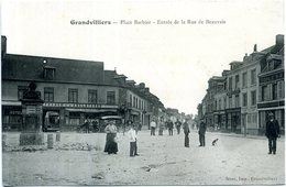 60 - Grandvilliers - Place Barbier ; Entrée De La Rue De Beauvais. - Grandvilliers