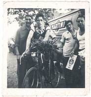 Photo Ancienne Course Cycliste , Grand Prix Martini Beaucaire ( 1er, Fontaine, De Nîmes ) - Personnes Anonymes