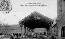 St JEAN DE ROYANS (26) Le Marché Couvert - France