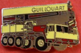 FF 337......B T P /TRACTEUR / ENGIN AGRICOLE/ENGIN DE CHANTIER / OUTILS /..........GUILLOUART - Pin's