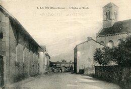 LE PIN Deux Sèvres - L'église Et L'école - France