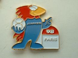 PIN'S FOOTBALL COUPE DU MONDE FRANCE 98 - FOOTIX -  PARIS - Calcio