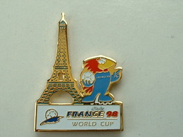 PIN'S FOOTBALL COUPE DU MONDE FRANCE 98 - FOOTIX -  TOUR EIFFEL - Calcio