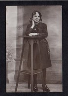 Femme Chica Frau Lady Girl / Jeune Fille à Identifier  / Carte Photo Studio / Photographe ? - Fotografie