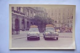 Photo 12,5 Cm X 8,5 Cm-auto Ecole De La Mairie -CLICHY-Dauphine Et 203 Peugeot En Premier Plan - Cars