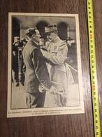 ANNEES 20/30 LE GENERAL DEBENEY REMET LA LEGION D HONNEUR AU CAPORAL SELLIER LE CLAIRON DE L ARMISTICE - Collections