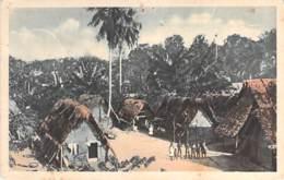 SURINAM Suriname - Kijkje In Een Boschnegerdorp - CPA Colorisée - 1944 - Surinam