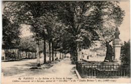 61kn 916 CPA - VANNES - LA RABINE ET LA STATUE DE LESAGE - Vannes