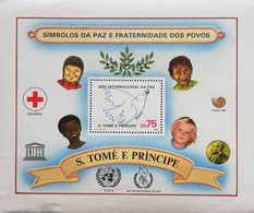 Sao Tome And Principe Intl. Peace Year S/S - Sao Tome And Principe