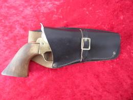 Revolver Poudre Noire CAL 36 - Decorative Weapons
