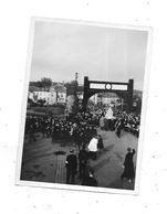 54 - Photo BACCARAT 8 Juin 1945, Procession De La Vierge, - Lieux