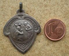 1 Médaille Sportive Ancienne BOXE - France