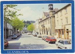 Llanidloes: FORD GRANADA, FIAT REGATA WEEKEND, MITSUBISHI GALANT, VAUXHALL ASTRA - Short Bridge Street (Wales) - Toerisme