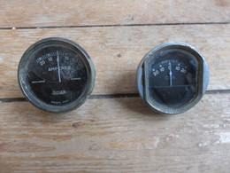 Lot De 2 Compteurs Véhicules - Equipment