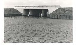 Westgraftdijk, Brug Over De Nieuwe Autoweg In De Grote Gracht Te Westgraftdijk  (foto) - Nederland
