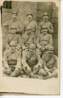 311. CPA PHOTO WW1. GROUPE AVEC CASQUES ADRIAN - Guerra 1914-18