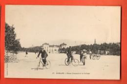 TRJ-34 Romans-sur-Isère  Place D'Armes Et Le Ollège, Cyclistes, ANIME. Mention: Souvenir De Football.Circulé - Romans Sur Isere