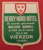 Autocollant Berry Nord Hôtel. Maison Bonnel. Vierzon. Blason. Vers 1960-70 - Stickers