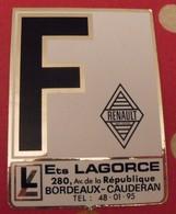 Autocollant Ets Lagorce. Renault. 33 Bordeaux-Cauderan. Blason. Vers 1960-70 - Aufkleber