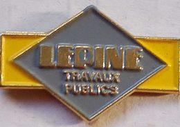 FF...414....B T P/TRACTEUR / ENGIN AGRICOLE/ENGIN DE CHANTIER / OUTILS /......LEPINE.... - Pin's