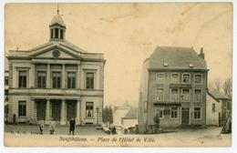 Neufchâteau - Place De L'Hôtel De Ville - Neufchâteau