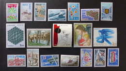 FRANCE - Année 1977 - 45 Timbres ** Neuf Sans Charnière Tous Différents - Timbres