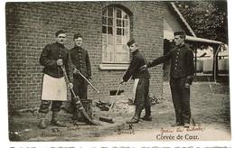 1919 - Bourg-Léopold - Camp De Beverloo - Zwanzes - Mise En Scène - Corvée De Cour - Edit. Alex Gothold - 2 Scans - Leopoldsburg (Camp De Beverloo)