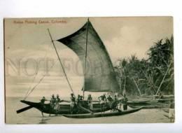 190466 CEYLON COLOMBO Native Fishing Canoe Vintage - Asie