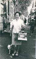 Photo Originale Jeune Femme Vintage Sac à Main Nice 1962 - Anonymous Persons