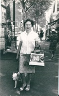 Photo Originale Jeune Femme Vintage Sac à Main Nice 1962 - Persone Anonimi