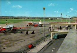 ! Moderne Ansichtskarte Flughafen Malta Luqa Airport, BEA Viscount, Vanguard, Aerodrome - Aerodrome