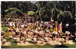 Polynésie Française Danse Tahitienne Exécutée Par Un Groupe De Jolies Danseuses De Heiva - Polynésie Française