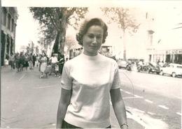 Photo Originale Jeune Femme Pin Up Nice - Places