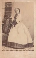 8197.   Vintage Old Foto Photo Donna Woman - Fotografo F.lli Bernieri Via Della Rocca  Torino  10x6 - Persone Anonimi