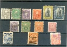 Petit Lot Du PARAGUAY Les 13 Timbres - Stamps