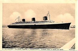 CPA-1935-PAQUEBOT-NORMANDIE-Evoluant Dans Le Bassin De Marée-Edit Fernez- TBE-RARE - Paquebots