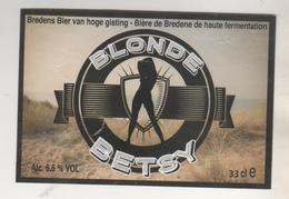 BIERE BLONDE BETSY ( UNE FEMME ) BRASSERIE DE BREDENE BELGIQUE - VOIR LE SCANNER - Beer