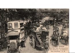 104. PARIS. - Carrefour Des Bds Montmartre Et Des Italiens - La Station Des Omnibus. C.M. CPA Neuve. Voir SCAN - Transport Urbain En Surface