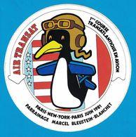 AUTOCOLLANT AIR TRANSAT 1ere COURSE TRANSTLANTIQUE EN AVION PARIS NEW-YORK PARIS JUIN 1981 PARRAINAGE MAECEL BLEUSTEIN-B - Pegatinas