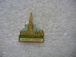 Pin's De La Cathedrale De La Ville De SALISBURY En Angleterre - Badges