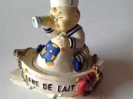 Evenement Enfant - Dent De Lait - Marin à Sa Longue Vue Attendla Petite Sourie ! - Région Bretagne - Obj. 'Souvenir De'