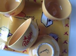 Chocolat Poulain - Prime - Service Petit Déjeuner : 4 Tasses Et Sets - Complet Dans Carton D'origine - Publicité