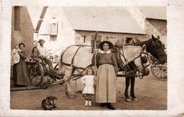Carte Photo Originale Monde Paysan - Dans La Cour De La Chassagne, Jacques & Georges Sur La Faucheuse, Les Delay En 1911 - Geïdentificeerde Personen