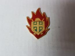 Pin's Pompier Neuve L église* - Feuerwehr
