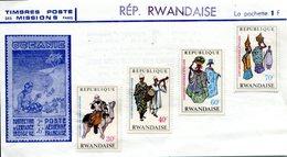 RWANDA - Y&T 269 à 272 (costumes Nationaux Africains) - Rwanda