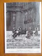 1935 CATHEDRALE De CHARTRES - Les Diablotins Sur Les Degrés  - Coupure De Presse Originale (encart Photo) - Documents Historiques